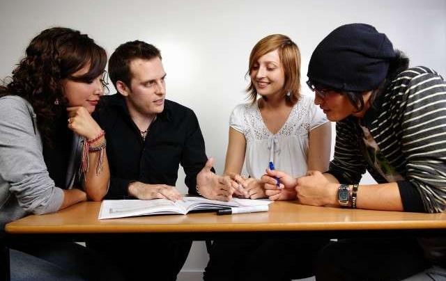 Как наладить коммуникацию с незнакомыми людьми или пару слов о пользе «поверхностных» разговоров