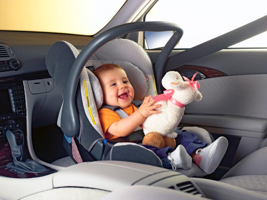 ОГИБДД Нефтекумска призывает водителей соблюдать правила безопасности при перевозке детей