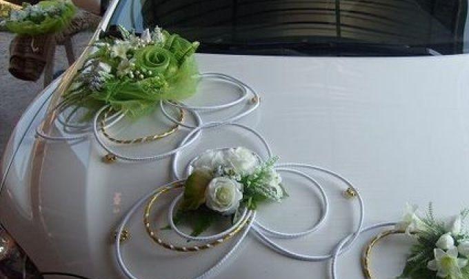 Как оригинально украсить свадебные машины