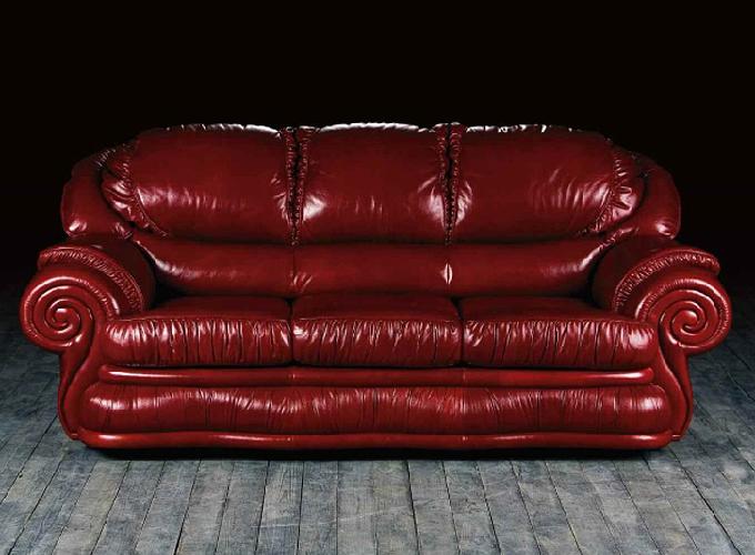 Правильный ход за кожаной мебелью.