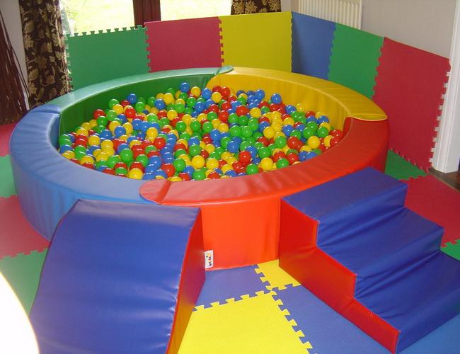 Детские сухие бассейны