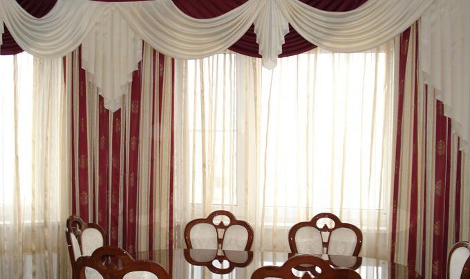 Выбираем шторы для гостиной комнаты