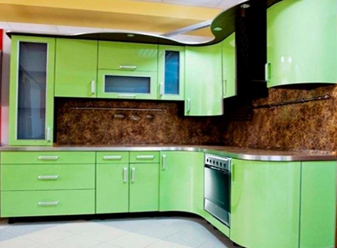 Недорогая, но практичная мебель для кухни
