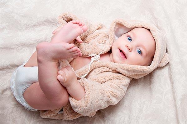 Стул новорожденного грудничка