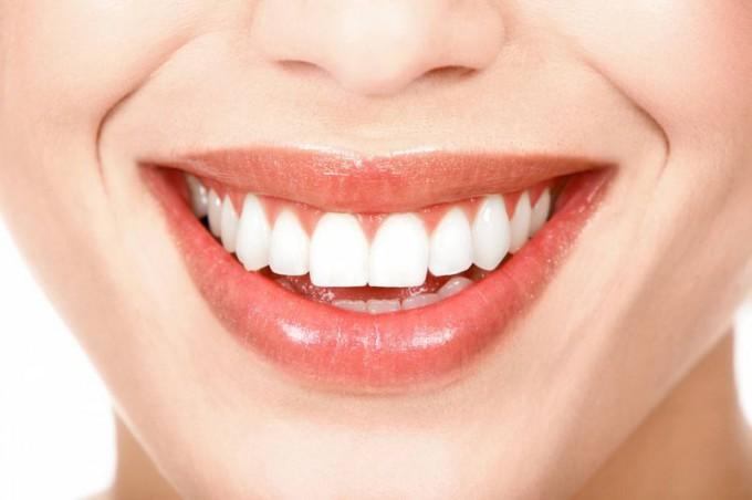 Создайте потрясающую улыбку вместе с everestclinic.com