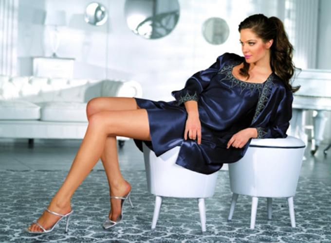 Как выбрать идеальный халат из шелка