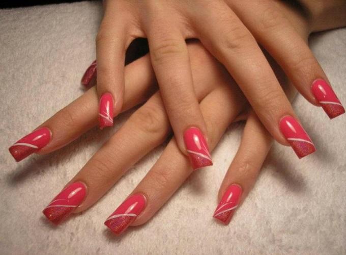 Особенности наращивания ногтей гелем