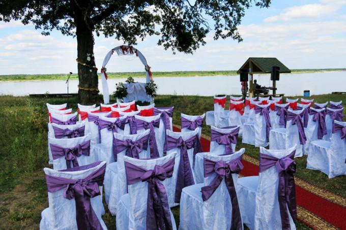 Выездная свадьба на берегу вместе с equipaj.ru