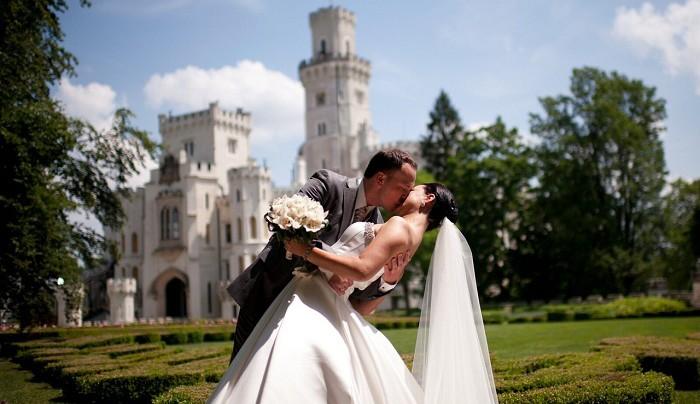 Чарующие заграничные места для проведения незабываемой свадьбы. ladolcevitabqthall.com