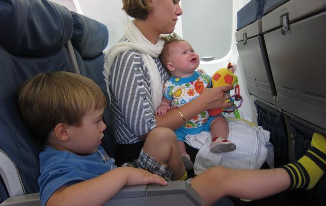 Путешествие с младенцем: самолет или автомобиль?