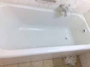 Наливная стакриловая ванна